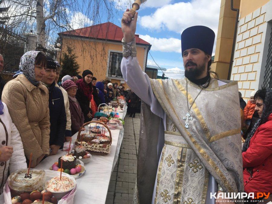 Православные в преддверии Великого праздника освятили пасхальные явства