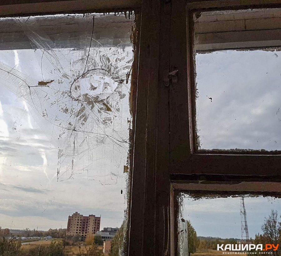 В каширской школе жалуются на аварийные окна